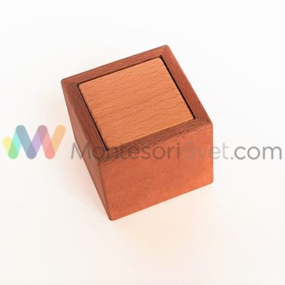 Montessori-cube-and-box